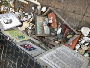 Figure 3: Personal things the public have added to the living memorial. (Budapest, Hungary) Photo: Gabrielle Marzolf