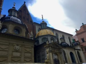 Figure 4. Conflicting architecture of Wawel, photographed by Gabrielle Marzolf (Krakow, Poland)